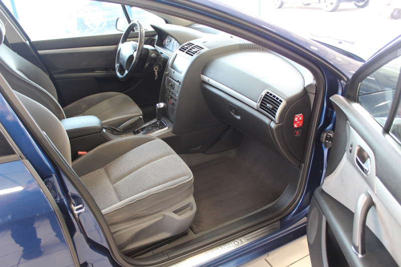 Photo 4 de l'offre de PEUGEOT 407 2.0 HDI136 EXECUTIVE BAA FAP à 4990€ chez BMC Autos 47