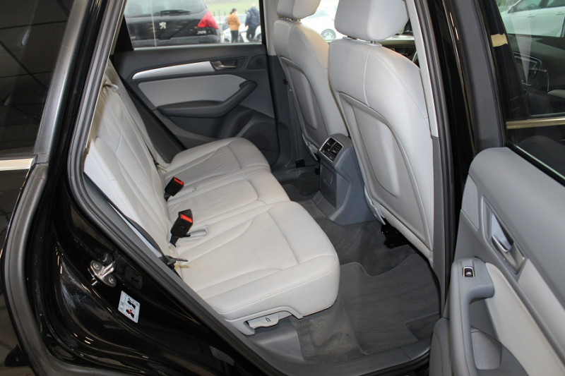 Photo 14 de l'offre de AUDI Q5 2.0 TDI 150CH CLEAN DIESEL BUSINESS LINE à 21490€ chez BMC Autos 47