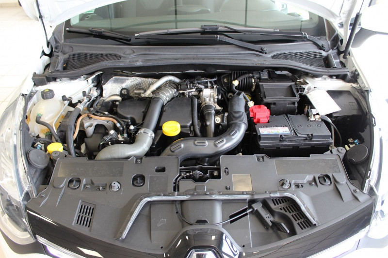 Photo 10 de l'offre de RENAULT CLIO IV 1.5 DCI 90CH ENERGY INTENS ECO² 90G à 9900€ chez BMC Autos 47