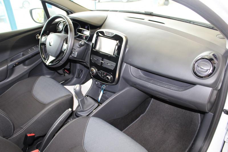 Photo 8 de l'offre de RENAULT CLIO IV 1.5 DCI 90CH ENERGY INTENS ECO² 90G à 9900€ chez BMC Autos 47