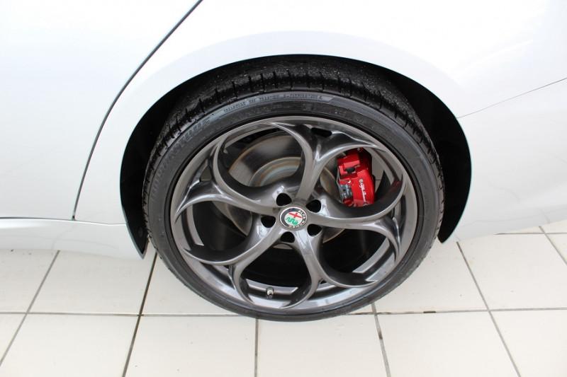 Photo 18 de l'offre de ALFA ROMEO GIULIA 2.2 JTD 190CH SPORT EDITION AT8 MY19 à 32900€ chez BMC Autos 47