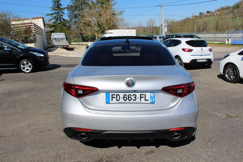 Photo 15 de l'offre de ALFA ROMEO GIULIA 2.2 JTD 190CH SPORT EDITION AT8 MY19 à 32900€ chez BMC Autos 47