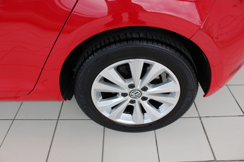 Photo 11 de l'offre de VOLKSWAGEN GOLF VII 1.6 TDI 115CH BLUEMOTION TECHNOLOGY FAP CONFORTLINE BUSINESS 5P à 13900€ chez BMC Autos 47
