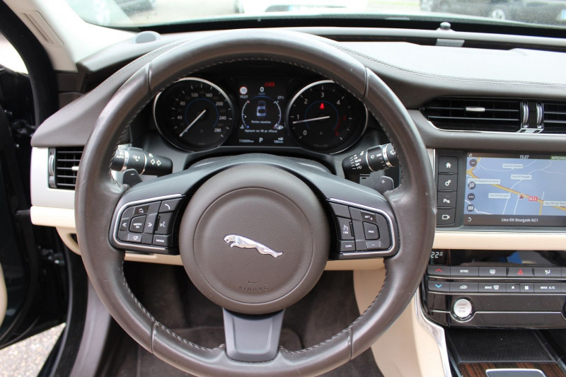 Photo 9 de l'offre de JAGUAR XF 2.0D 180CH BUSINESS PRESTIGE AWD BVA à 21800€ chez BMC Autos 47