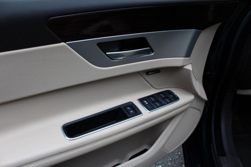 Photo 10 de l'offre de JAGUAR XF 2.0D 180CH BUSINESS PRESTIGE AWD BVA à 21800€ chez BMC Autos 47