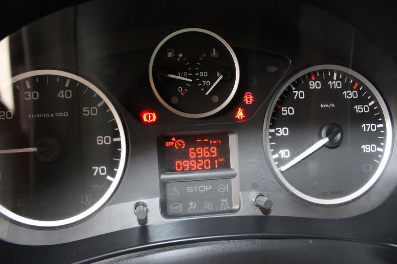 Photo 18 de l'offre de PEUGEOT PARTNER TEPEE 1.6 HDI92 FAP OUTDOOR à 10900€ chez BMC Autos 47