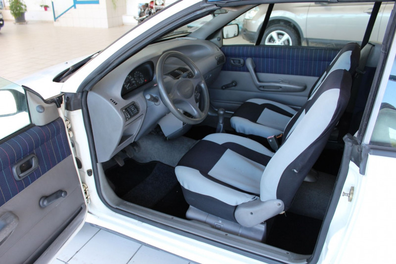 Photo 6 de l'offre de FIAT PUNTO CAB 60 S à 2900€ chez BMC Autos 47