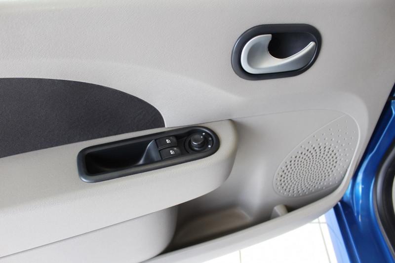 Photo 11 de l'offre de RENAULT TWINGO II 1.5 DCI 65CH EXPRESSION à 4400€ chez BMC Autos 47