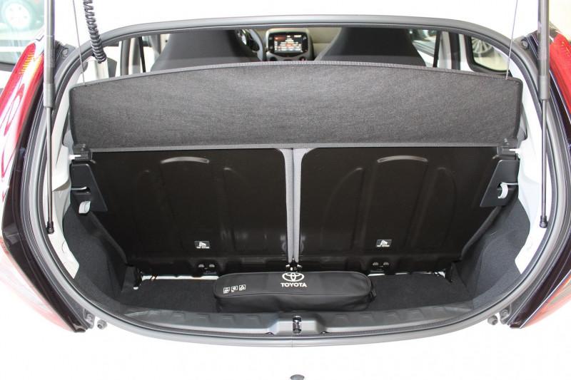 Photo 10 de l'offre de TOYOTA AYGO 1.0 VVT-I 72CH X-PLAY 5P MY19 à 11990€ chez BMC Autos 47