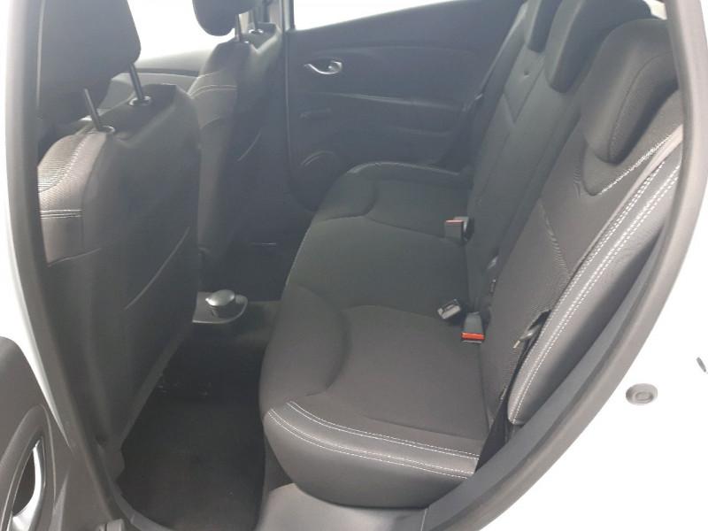 Photo 6 de l'offre de RENAULT CLIO IV ESTATE 1.5 DCI 90CH ENERGY ZEN EURO6C à 9790€ chez Carlyss automobiles Vitré