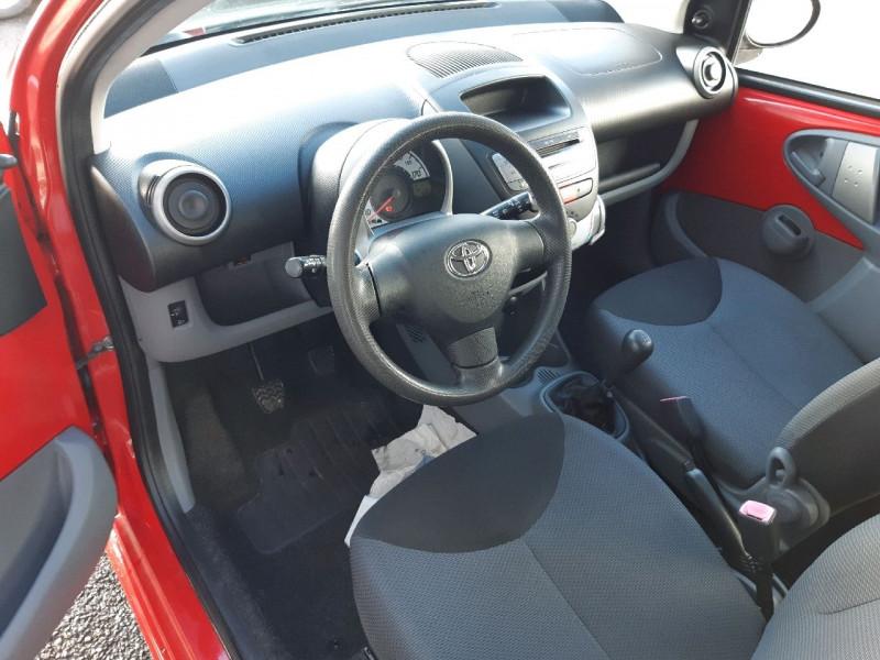 Photo 5 de l'offre de TOYOTA AYGO 1.0 VVT-I 68CH CONFORT 5P à 4990€ chez Carlyss automobiles Vitré