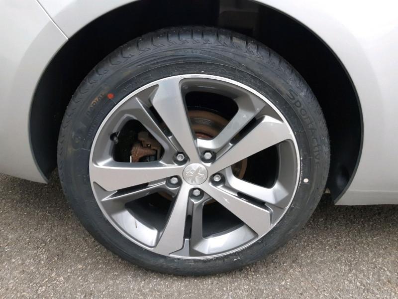 Photo 4 de l'offre de PEUGEOT 308 SW 1.6 BLUEHDI 120CH ALLURE S&S EAT6 à 13490€ chez Carlyss automobiles Vitré