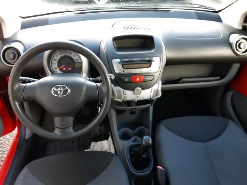 Photo 7 de l'offre de TOYOTA AYGO 1.0 VVT-I 68CH CONFORT 5P à 4990€ chez Carlyss automobiles Vitré
