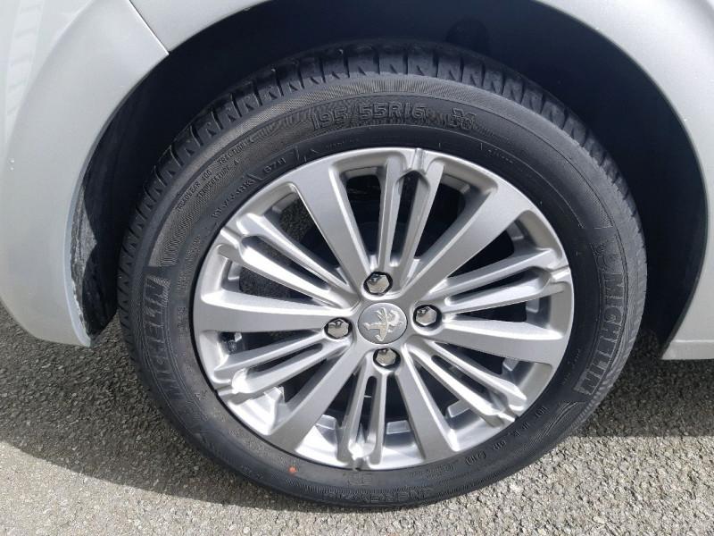 Photo 4 de l'offre de PEUGEOT 208 1.6 BLUEHDI 75CH STYLE 5P à 8490€ chez Carlyss automobiles Vitré
