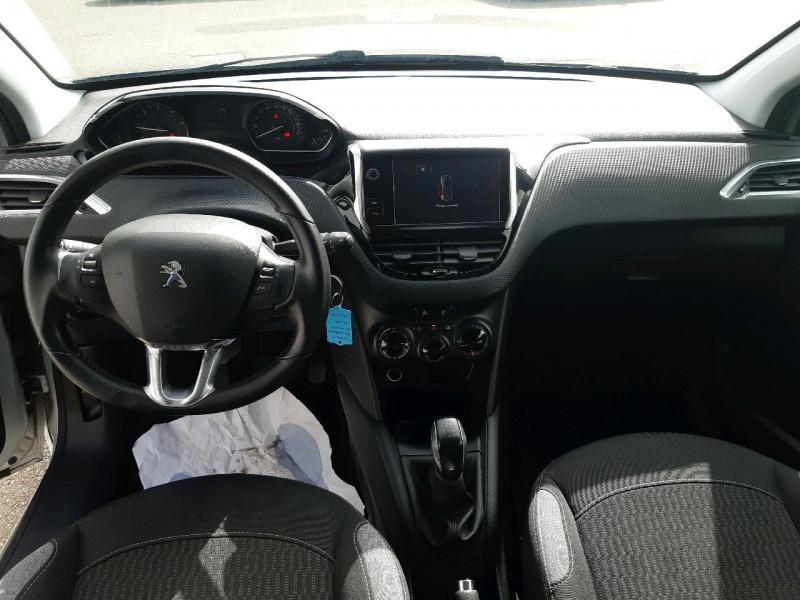 Photo 8 de l'offre de PEUGEOT 208 1.6 BLUEHDI 75CH STYLE 5P à 8490€ chez Carlyss automobiles Vitré