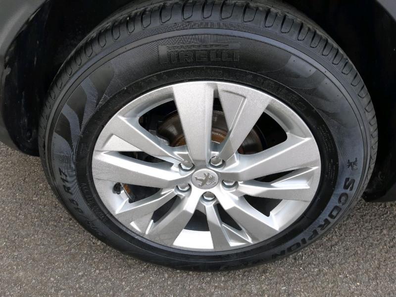 Photo 4 de l'offre de PEUGEOT 3008 1.6 BLUEHDI 120CH ACTIVE BUSINESS S&S BASSE CONSOMMATION à 16490€ chez Carlyss automobiles Vitré