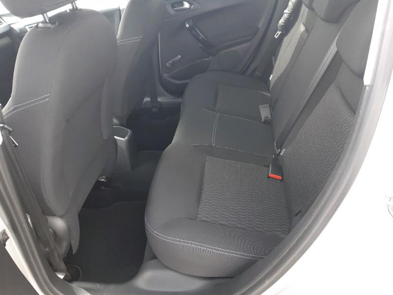Photo 7 de l'offre de PEUGEOT 208 1.6 BLUEHDI 75CH STYLE 5P à 8490€ chez Carlyss automobiles Vitré