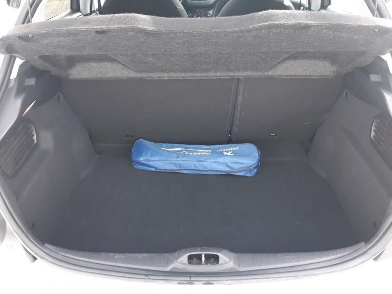 Photo 5 de l'offre de PEUGEOT 208 1.6 BLUEHDI 75CH STYLE 5P à 8490€ chez Carlyss automobiles Vitré