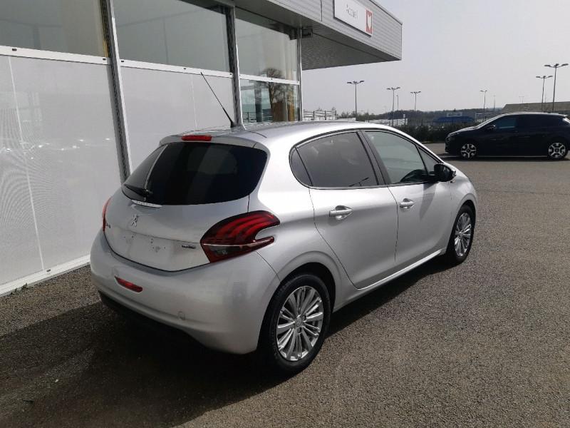 Photo 3 de l'offre de PEUGEOT 208 1.6 BLUEHDI 75CH STYLE 5P à 8490€ chez Carlyss automobiles Vitré