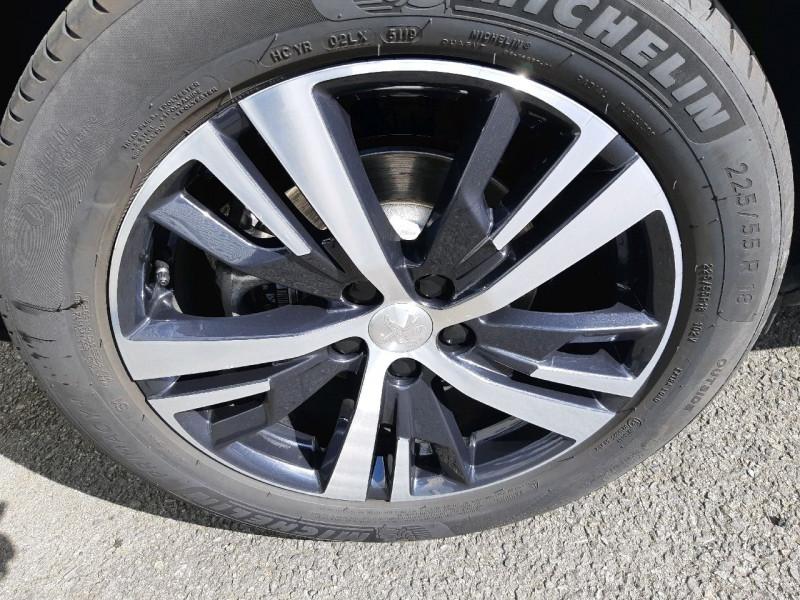 Photo 4 de l'offre de PEUGEOT 3008 1.5 BLUEHDI 130CH E6.C GT LINE S&S  6CV à 26790€ chez Carlyss automobiles Vitré