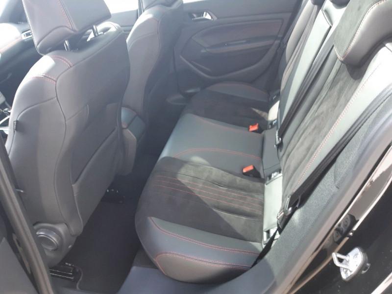 Photo 8 de l'offre de PEUGEOT 308 2.0 BLUEHDI 180CH S&S GT EAT8 à 22790€ chez Carlyss automobiles Vitré