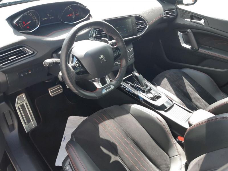Photo 6 de l'offre de PEUGEOT 308 2.0 BLUEHDI 180CH S&S GT EAT8 à 22790€ chez Carlyss automobiles Vitré