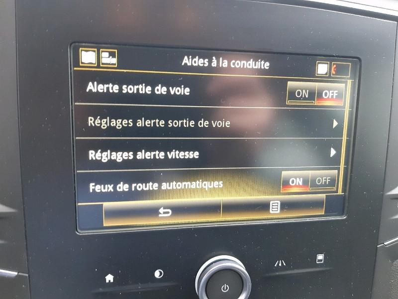 Photo 10 de l'offre de RENAULT MEGANE IV ESTATE 1.5 BLUE DCI 115CH BUSINESS EDC à 15990€ chez Carlyss automobiles Vitré