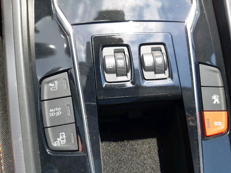 Photo 10 de l'offre de PEUGEOT 508 RXH 2.0 E-HDI FAP ETG6 + ELECTRIQUE 37CH EURO6 à 17490€ chez Carlyss automobiles Vitré
