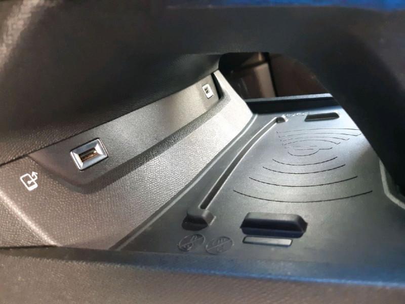Photo 13 de l'offre de PEUGEOT 508 SW BLUEHDI 130CH S&S ALLURE EAT8 à 25990€ chez Carlyss automobiles Vitré