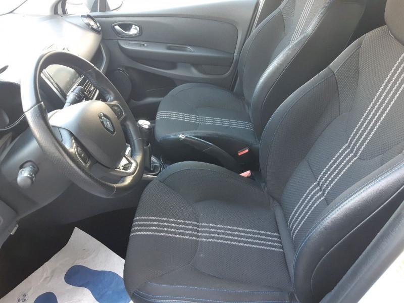Photo 6 de l'offre de RENAULT CLIO IV 0.9 TCE 90CH INTENS GT LINE 5P à 11290€ chez Carlyss automobiles Vitré