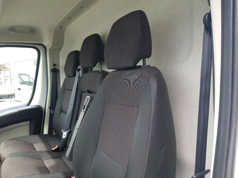 Photo 5 de l'offre de CITROEN JUMPER FG 4-35 L4H2 2.2 BLUEHDI 140 S&S CLUB à 22990€ chez Carlyss automobiles Vitré