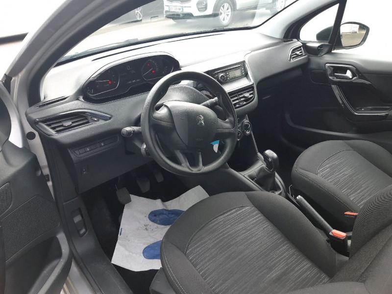 Photo 5 de l'offre de PEUGEOT 208 1.6 BLUEHDI 75CH ACCESS 3P à 6990€ chez Carlyss automobiles Vitré
