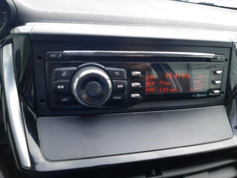 Photo 8 de l'offre de PEUGEOT 208 1.6 BLUEHDI 75CH ACCESS 3P à 6990€ chez Carlyss automobiles Vitré