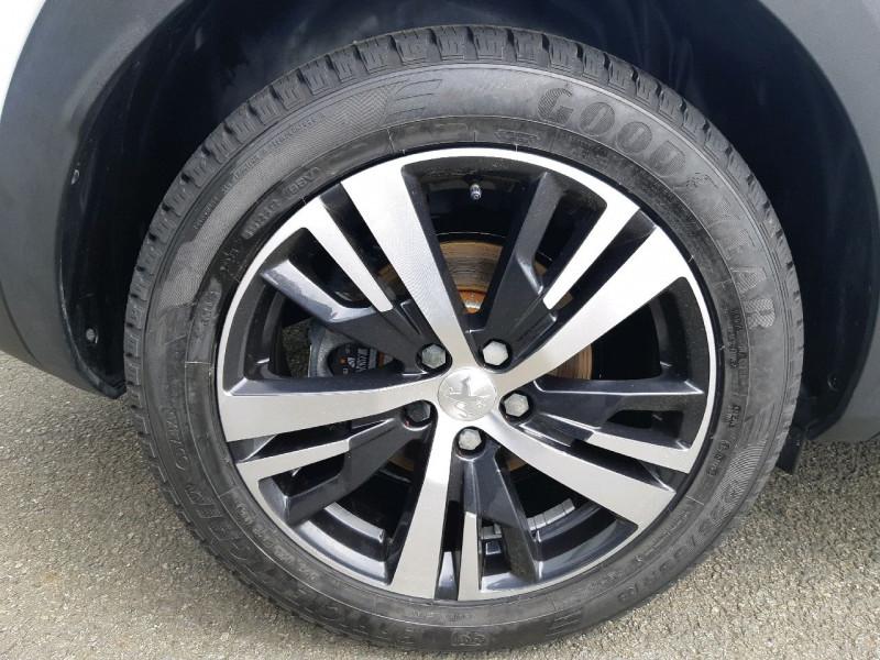 Photo 4 de l'offre de PEUGEOT 3008 1.5 BLUEHDI 130CH E6.C GT LINE S&S à 24990€ chez Carlyss automobiles Vitré