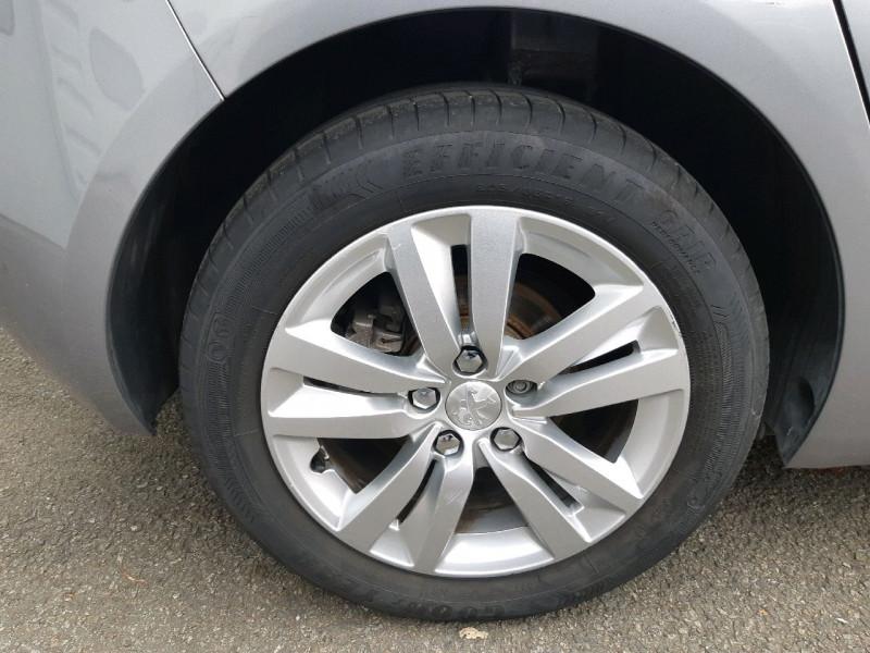 Photo 4 de l'offre de PEUGEOT 308 1.6 BLUEHDI 100CH ACTIVE BUSINESS S&S 5P à 10790€ chez Carlyss automobiles Vitré