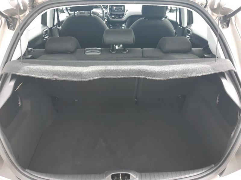 Photo 5 de l'offre de PEUGEOT 208 1.6 BLUEHDI 100CH ALLURE 5P à 10790€ chez Carlyss automobiles Vitré