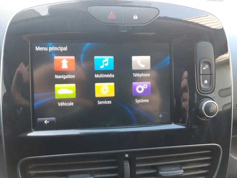 Photo 10 de l'offre de RENAULT CLIO IV 0.9 TCE 90CH INTENS GT LINE 5P à 11290€ chez Carlyss automobiles Vitré