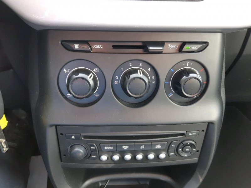 Photo 7 de l'offre de DS DS 3 PURETECH 82CH CHIC à 10990€ chez Carlyss automobiles Vitré