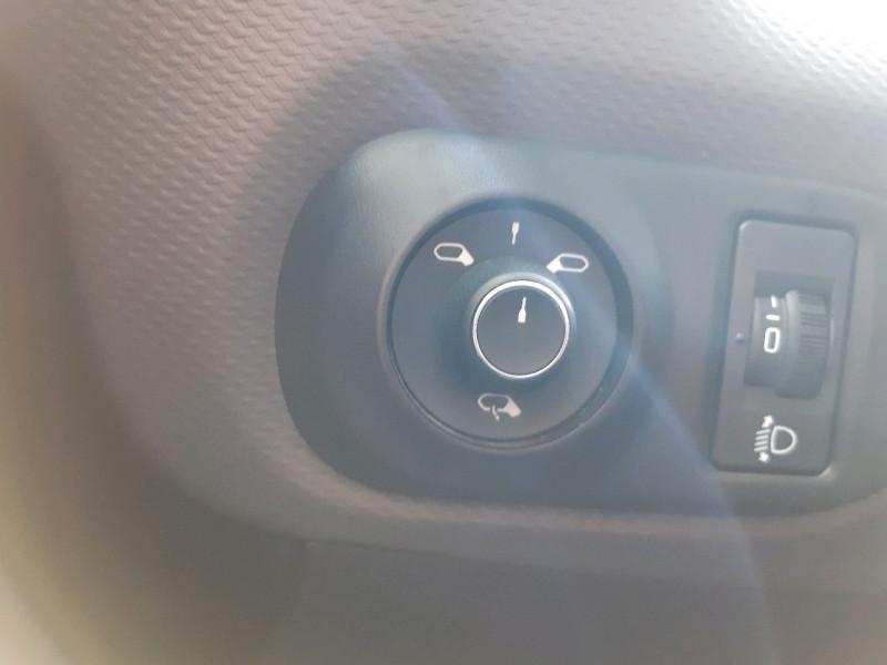 Photo 9 de l'offre de CITROEN C4 CACTUS PURETECH 110CH S&S SHINE à 13790€ chez Carlyss automobiles Vitré