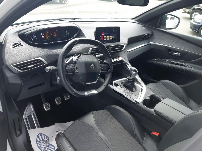 Photo 6 de l'offre de PEUGEOT 3008 1.5 BLUEHDI 130CH E6.C GT LINE S&S à 24990€ chez Carlyss automobiles Vitré