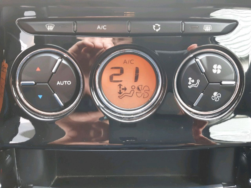 Photo 8 de l'offre de CITROEN C3 1.6 BLUEHDI100 CONFORT BUSINESS S&S 79G à 9290€ chez Carlyss automobiles Vitré