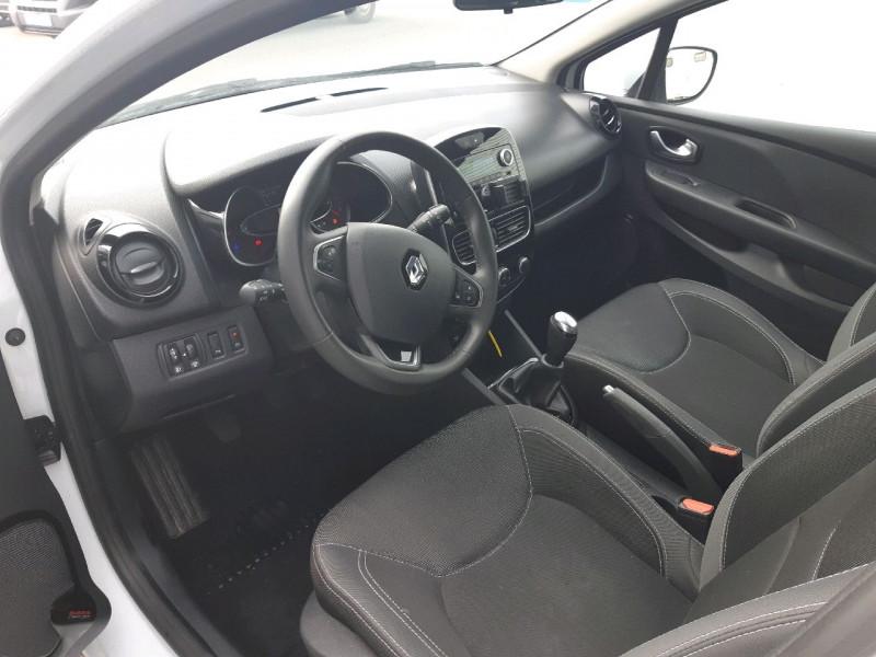 Photo 5 de l'offre de RENAULT CLIO IV ESTATE 1.5 DCI 90CH ENERGY ZEN EURO6C à 9490€ chez Carlyss automobiles Vitré
