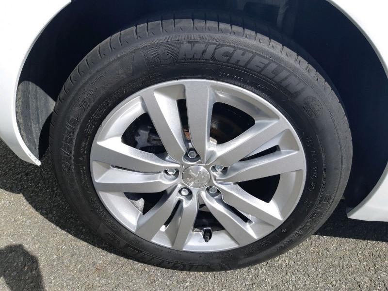 Photo 4 de l'offre de PEUGEOT 308 1.6 BLUEHDI 100CH ACCESS S&S 5P à 10990€ chez Carlyss automobiles Vitré