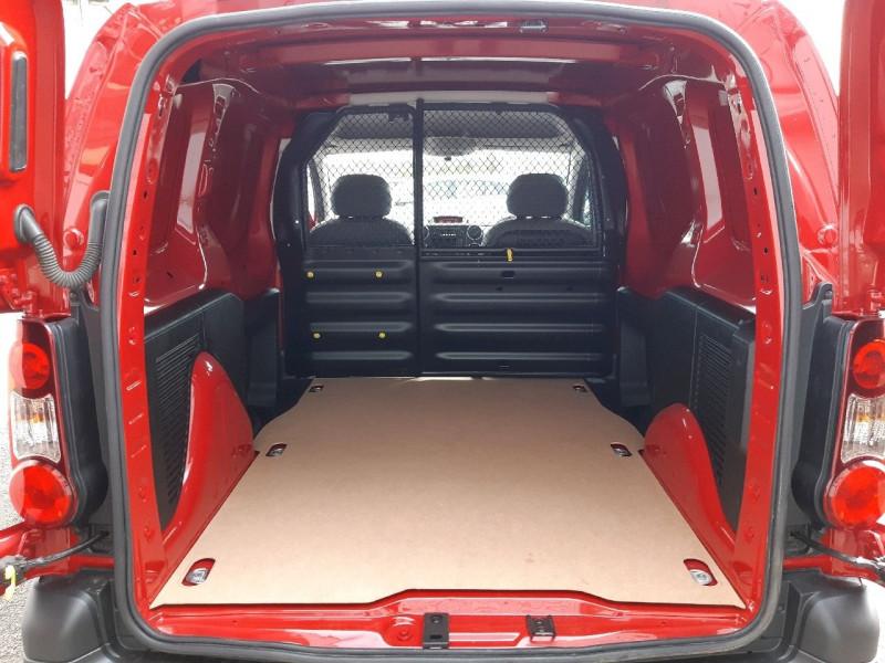 Photo 6 de l'offre de CITROEN BERLINGO 20 L1 1.6 HDI 75 CLUB à 8490€ chez Carlyss automobiles Vitré