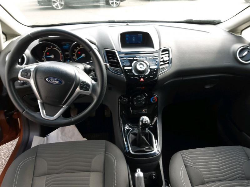 Photo 7 de l'offre de FORD FIESTA 1.0 ECOBOOST 100CH STOP&START TITANIUM 5P à 7290€ chez Carlyss automobiles Vitré
