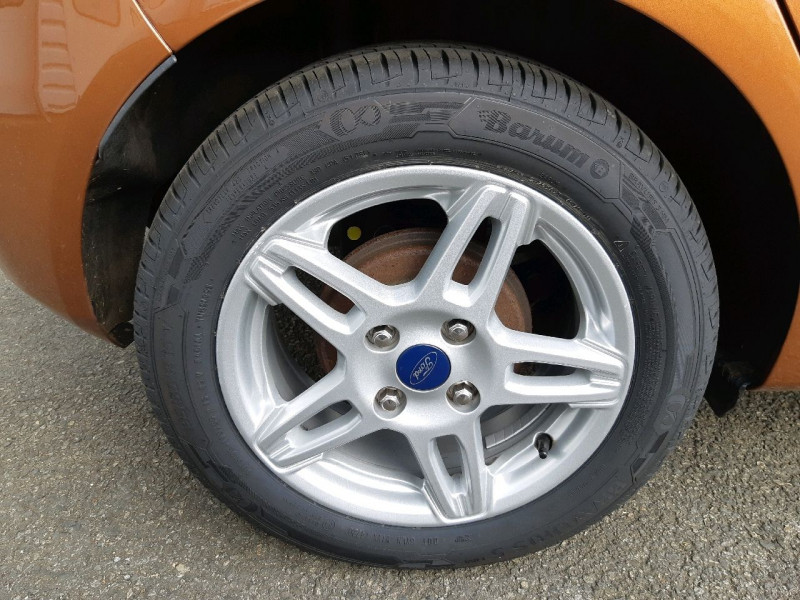 Photo 4 de l'offre de FORD FIESTA 1.0 ECOBOOST 100CH STOP&START TITANIUM 5P à 7290€ chez Carlyss automobiles Vitré