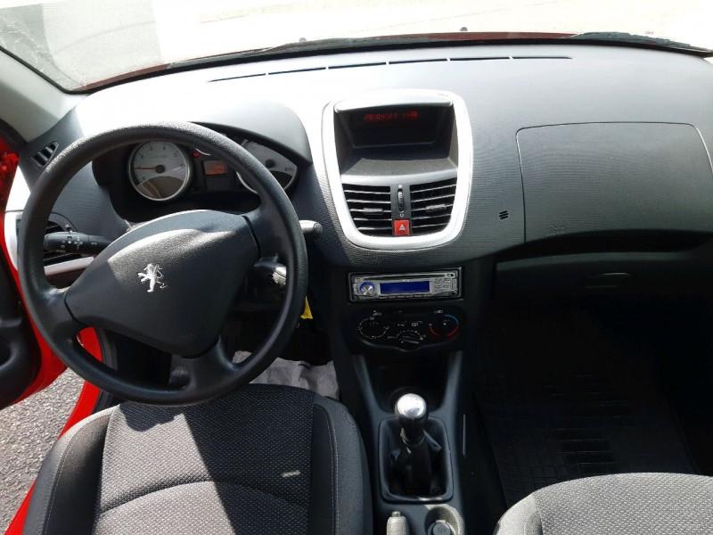 Photo 6 de l'offre de PEUGEOT 206 + 1.4 ACCESS 3P à 5290€ chez Carlyss automobiles Vitré