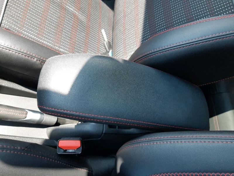 Photo 15 de l'offre de PEUGEOT 208 1.2 PURETECH 110CH GT LINE S&S EAT6 5CV 5P à 13790€ chez Carlyss automobiles Vitré