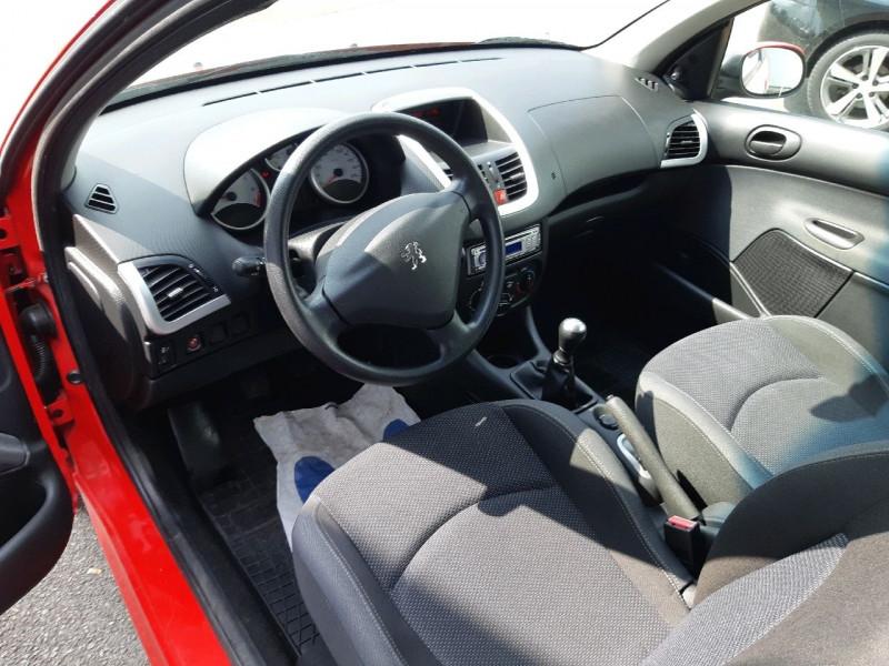Photo 4 de l'offre de PEUGEOT 206 + 1.4 ACCESS 3P à 5290€ chez Carlyss automobiles Vitré