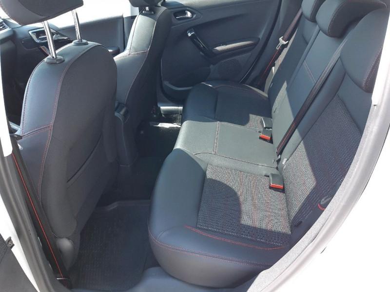 Photo 9 de l'offre de PEUGEOT 208 1.2 PURETECH 110CH GT LINE S&S EAT6 5CV 5P à 13790€ chez Carlyss automobiles Vitré